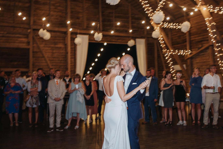 Romantiskt bröllop på Stallgården